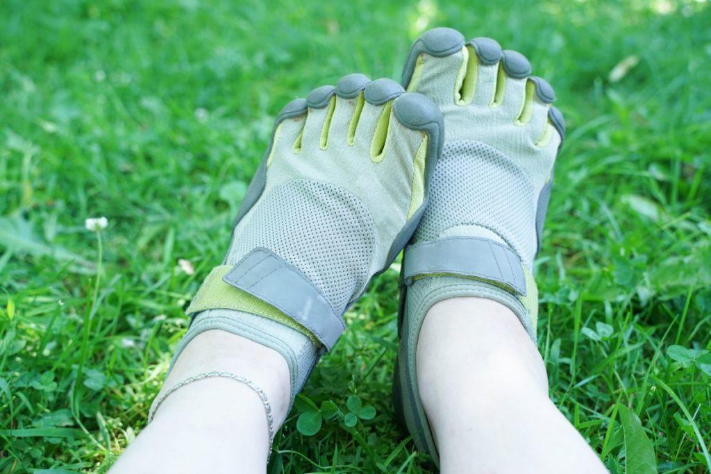 start barefoot running